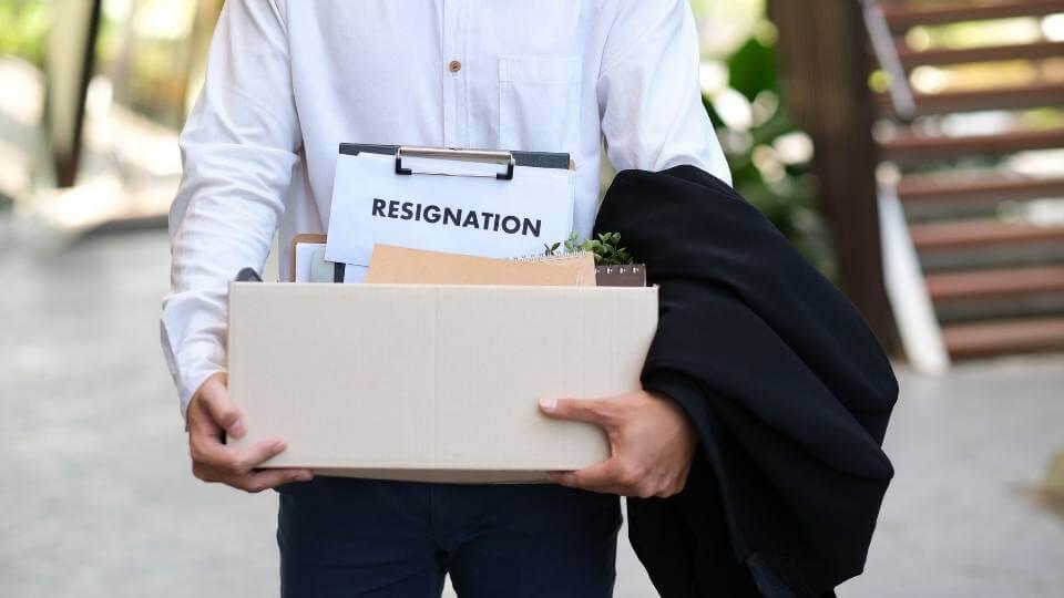 教員の辞め方・退職方法