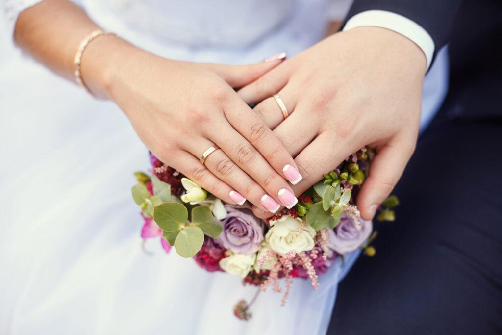 教師が自然に素敵な結婚相手を見つける方法【教師が婚活する3つの方法】
